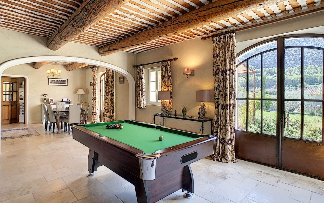 gordes-immobilier-luxe